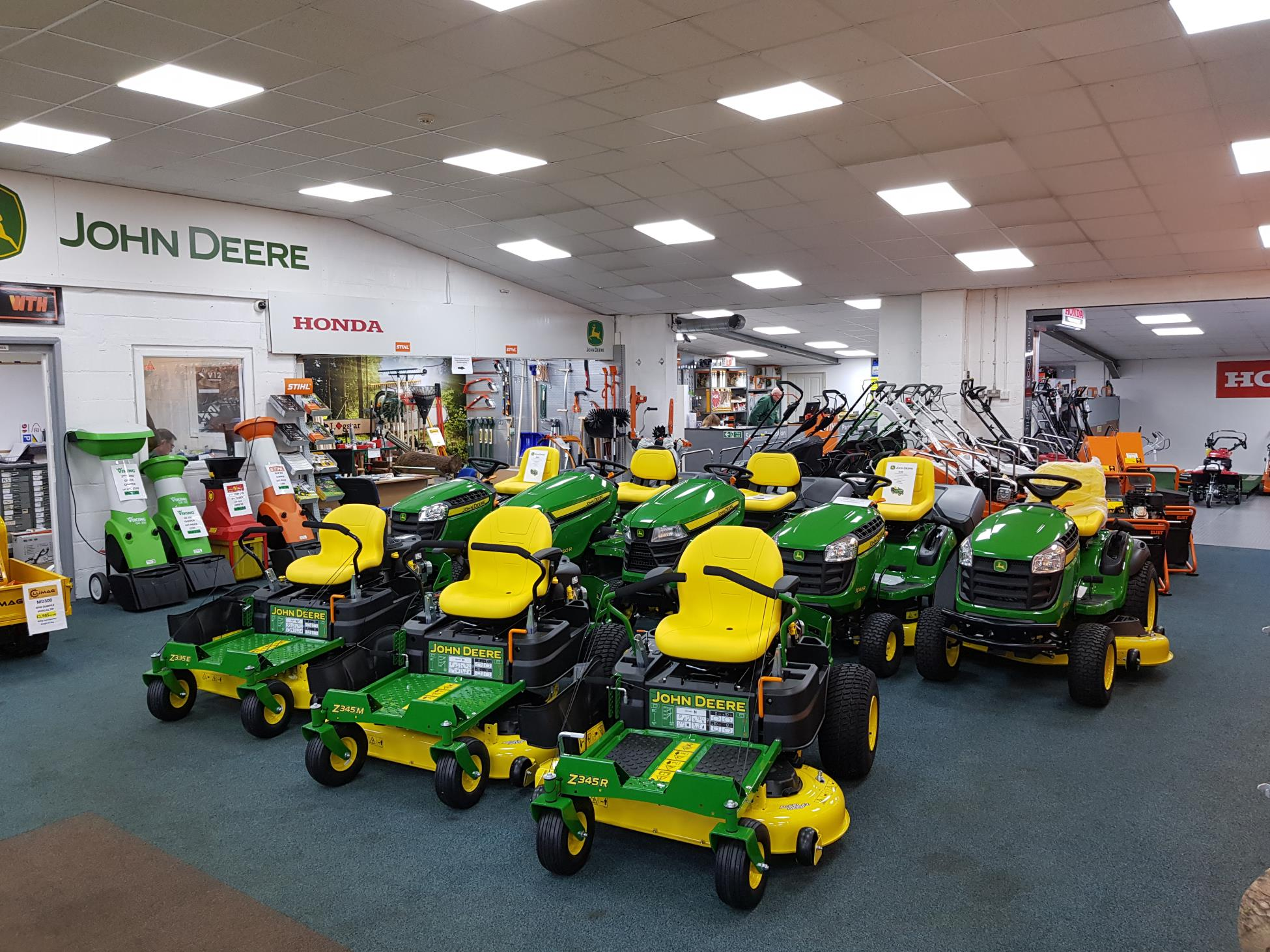 John Deere lawnmowers and lawn tractors