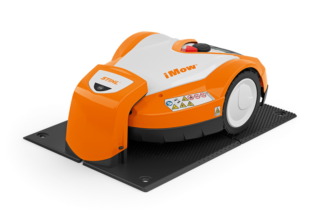 Stihl RMI632 Robotic Lawnmower | Image 1